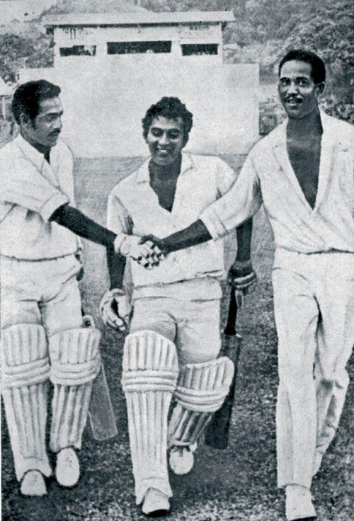 Garry Sobers congratulates Syed Abid Ali and Sunil Gavaskar, West Indies v…