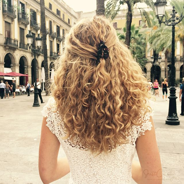How To Wear Naturally Curly Wavy Hair