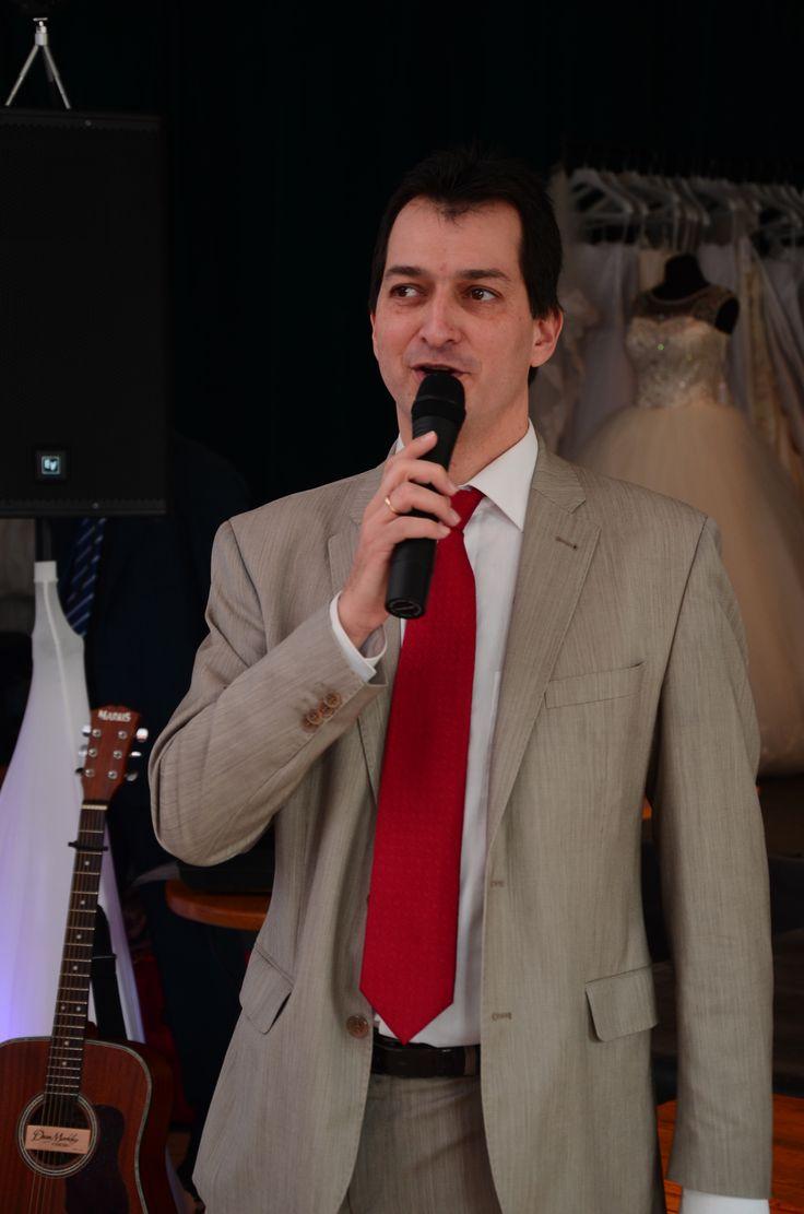 Konferanszié, házigazda a III. Budakalászi Esküvőkiállításon (fotó: Szarka Dávid)