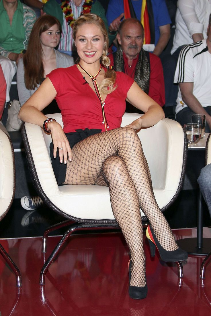 ruth moschner in pantyhose     stockings celebs blogspot   2014