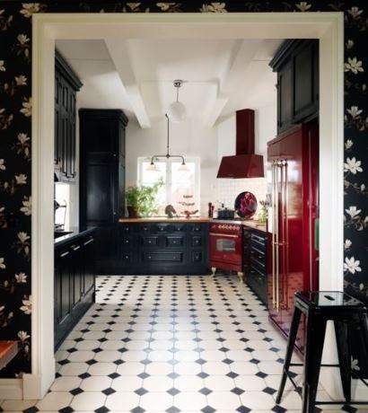 svartvitrutigt golv i kök - Sök på Google