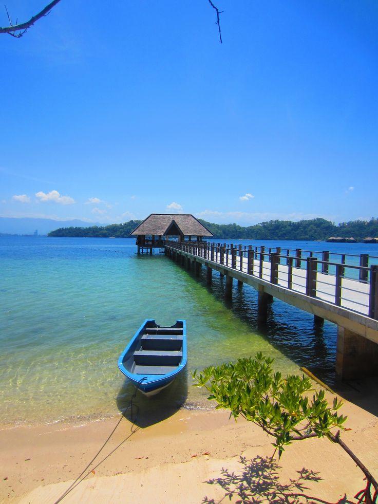 Malaysia. Stunning beach at Gaya Island Resort, Kota Kinabalu .