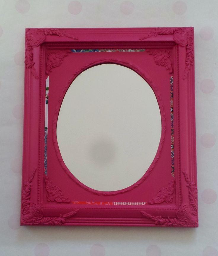 roze spiegel met mooie gekleurde papieren rand. www.misssonja.nl