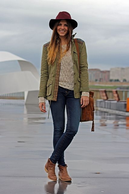 street_style-trendy_taste-look-outfit-true_religion-jeans-vaqueros-ethnic_print-ethnic_jacket-parka-somrero_burdeos-burgundy_hat-booties-6 b...