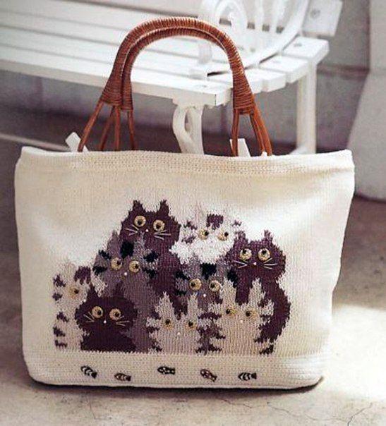Вязаная сумка котики