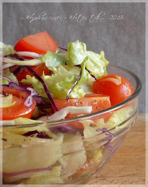 """Sokszor csinálok ilyen salátát, mert nagyon gyorsan elkészül és igen laktató. Az egyszerű """"fűszerezés"""" kiemeli a zöldségek ízét. Jópofa,..."""