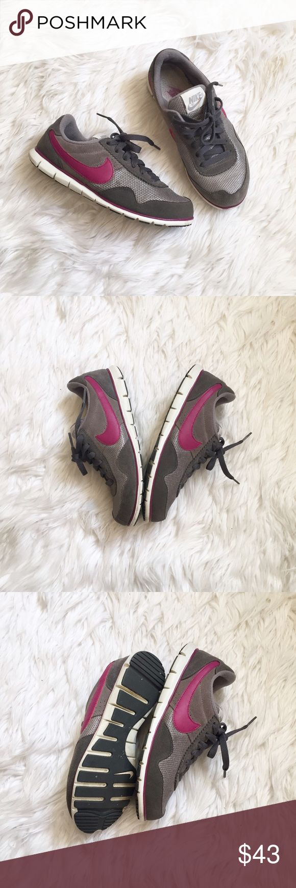 💠 Cute Nike Sneakers Pre loved condition, super comfortable, mesh details Nike Shoes