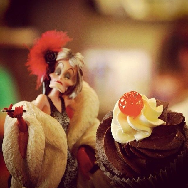 I live for cakes, I worship cakes!