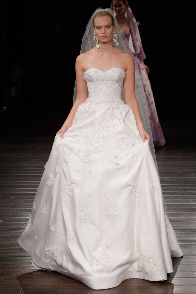 Jasmine wedding dresses 2018 movies