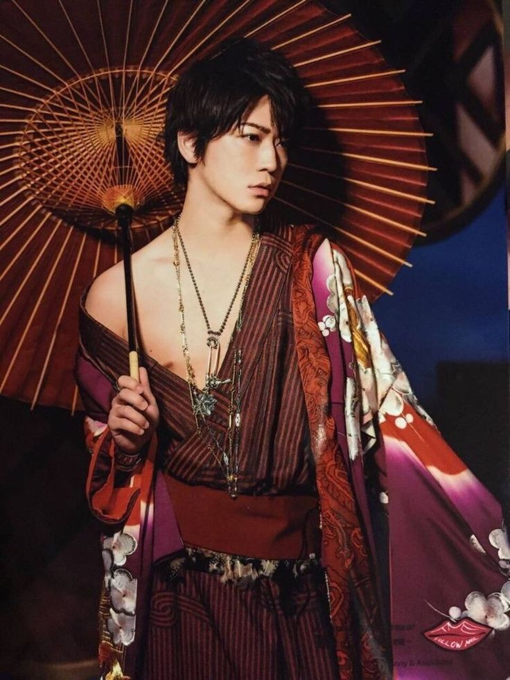 Kame solo con Follow Me photoshoot