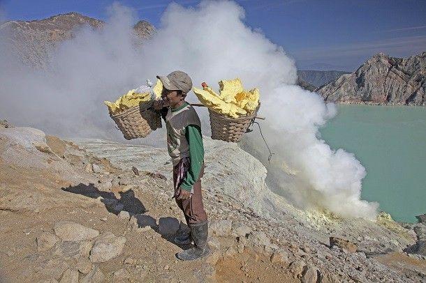 Harvesting sulfur