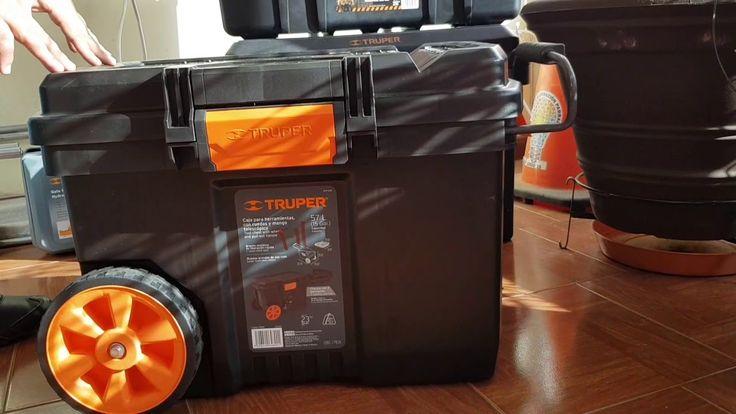 """Caja para herramienta 23"""" con ruedas y mango telescópico Truper"""