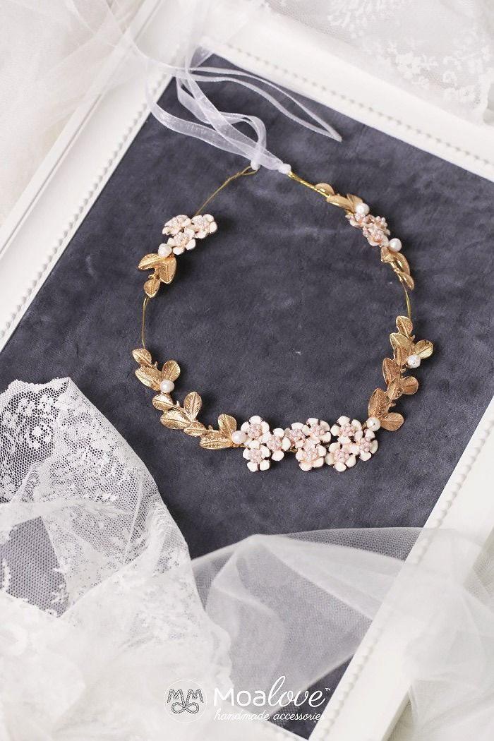 Cassedy | leaves and flowers gold halo - MoaLove Accessories