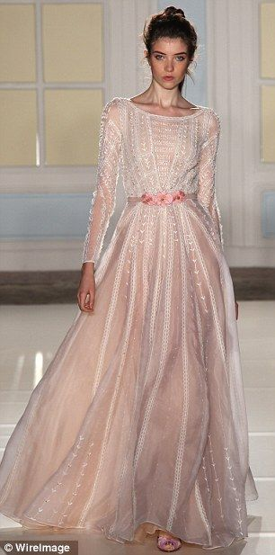London Fashion Week: Temperley triumphs with flower-filled collection aimed squarely at grown-ups | Mail Online