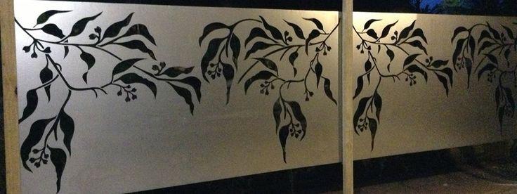 Decorative Laser Cut Gum Leaf Screen / Picture