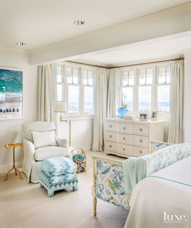 Serene views, flowing drapes, soothing colors and crystalline chandeliers make these 25 bedrooms the stuff of daydreams.