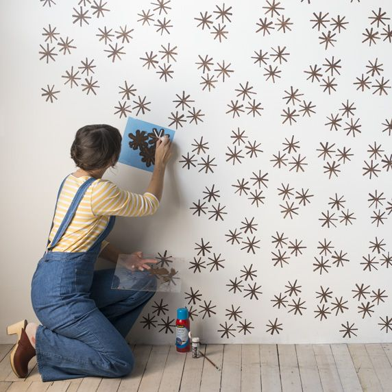 DIY wall stencil idea that looks like wallpaper