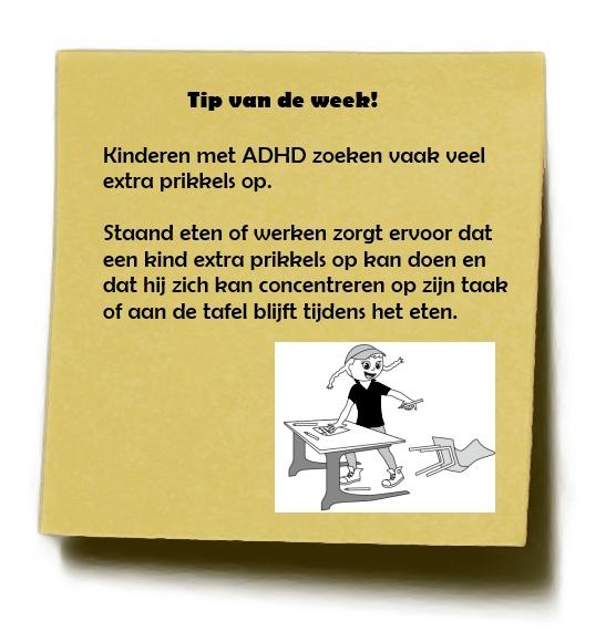ADHD - Staand eten of werken zorgt ervoor dat een kind extra prikkels op kan doen en dat hij zich kan concentreren op zijn taak of aan de tafel blijft tijdens het eten.