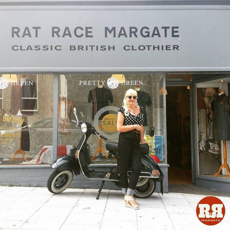 Julie wearing Lindy Bop and Collectif today @ Rat Race // #lindybop #collectif .  #ratracemargate #margate #dreamlandmargate #dreamland #style #50s #retrofashion #british #rockabilly #vespa #lambretta #vespapx125 #mods #skinheads #trojanrecords #drmartens #prettygreen #merc #ratrace