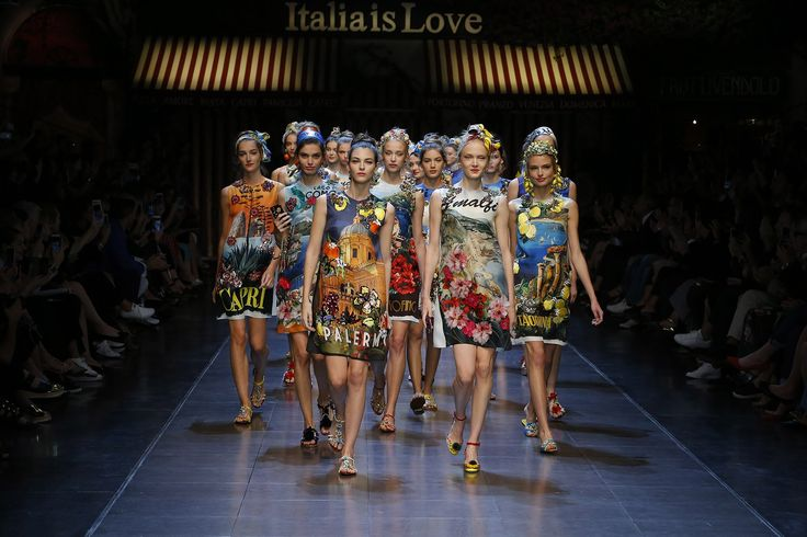Dolce&Gabbana Summer 2016 Women's Fashion Show Smell the aroma of Italia inbrand new dresses http://aromainlove.blogspot.de/2016/01/dolce-summer-2016-womens-fashion-show.html