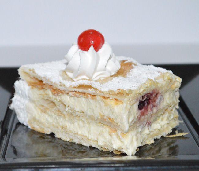 La torta millefoglie con crema chantilly
