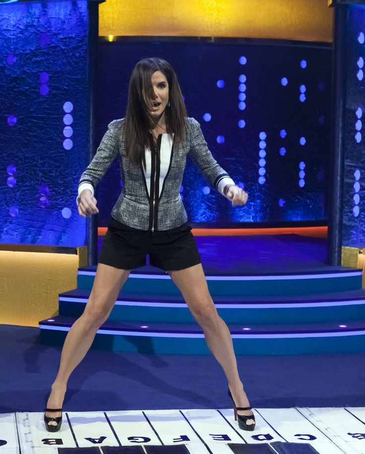 Sandra Bullock unbelievably leggy on Ross