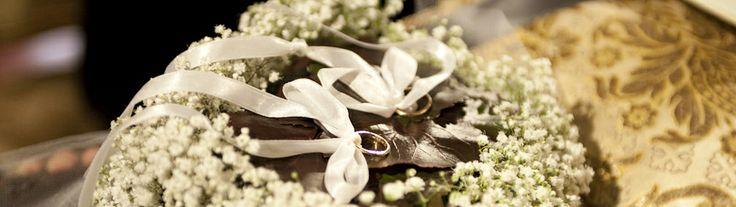 www.italianfelicity.com #weddingceremony #weddingdetails #ringpillow