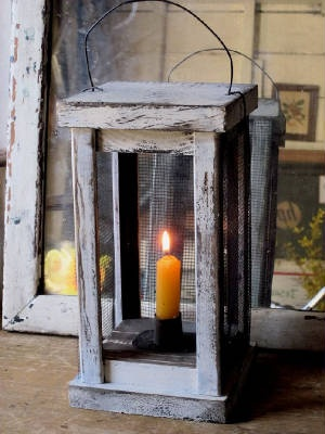 EARLY STYLE LANTERN IN PAINT WITH CANDLE.
