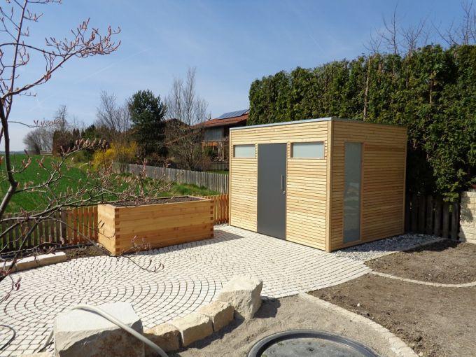 Geratehaus Larche In 2020 Geratehaus Garten Garten Gartenhaus