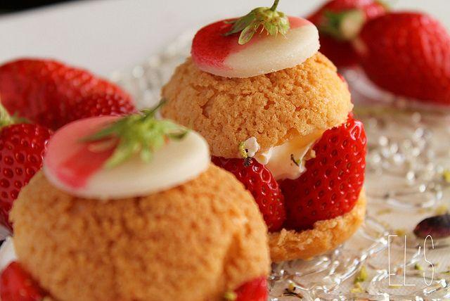 Choux à la fraise gariguette, crème fouettée et pistache {Battle Food #7} by emilieandlea5, via Flickr