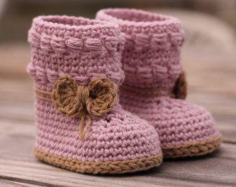 Crochet Pattern for Baby Girls Wellington Baby por Inventorium
