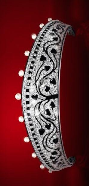 Tiara Cartier Paris 1914, natural pearls, diamonds onyx.