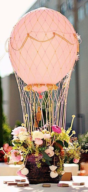 Was für eine außergewöhnlich schöne Hochzeits-Tischdeko! <3