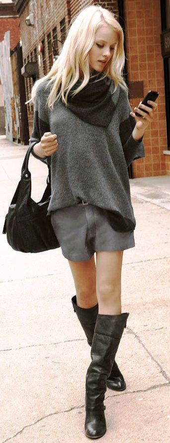 Looks comfortable, but still stylisch with those boots, scarf and bag. (2)