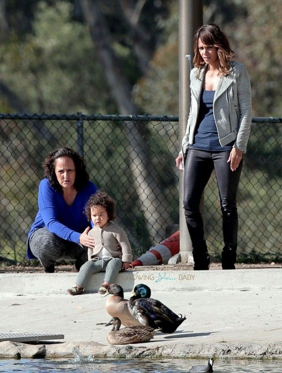Halle Berry takes a break from filming 'Extant' to take baby Maceo to the park to see the ducks   http://www.growingyourbaby.com/2015/02/28/halle-berry-son-maceo-enjoy-a-park-play-in-la/   http://www.growingyourbaby.com/tag/maceo-robert-martinez/