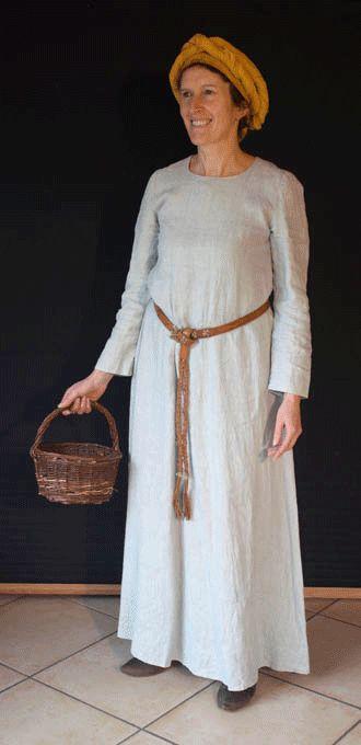 Vêtement de paysanne au XIIe siècle