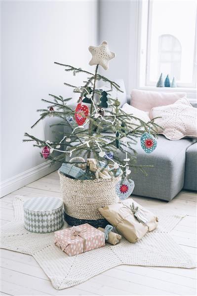Tema 40: 32a og 33 Hjerte og stjerne juletreteppe #jul #strikk #christmas #knit