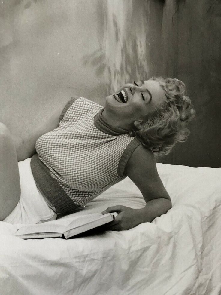 marilyn-monroe-newed-photos-sexy-big-butts