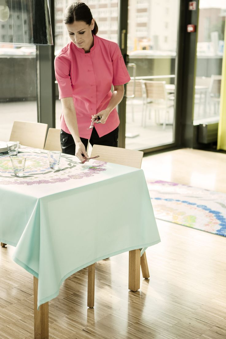 Building your brand image with Lindström Group's Workwear, Mat and Restaurant textile services. #lindstromgroup #matservices #mat #designmat #interiordesign #carpet #companyimage #brandimage #mandala #shapemats #semicircle #matrentalservice #rental #customerspecificdesignmat #image #restauranttextileservice #tablecloth #linen #workwearservices #professionalworkwear #catering