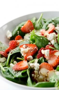 Let's eat! Strawberry spinach salad [ food recipe]