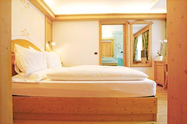 Pi di 25 fantastiche idee su camere da letto con finestre for 5 camere da letto piano piano doppio