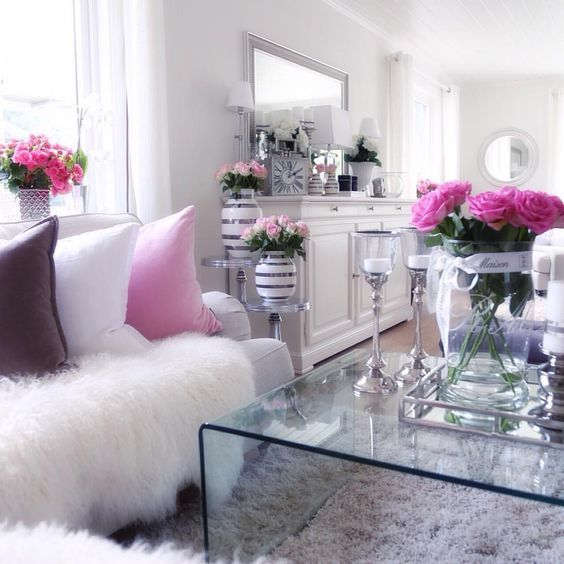 Cute. Too feminine for my living room (husband would not like this), but something similar in style might work in the guest bedroom: