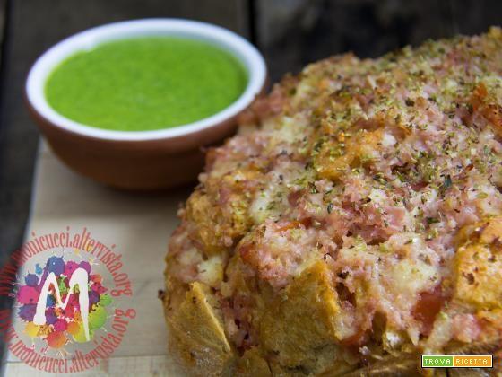 """Bruschette """"in forma"""" con pesto di foglie di ravanello  #ricette #food #recipes"""