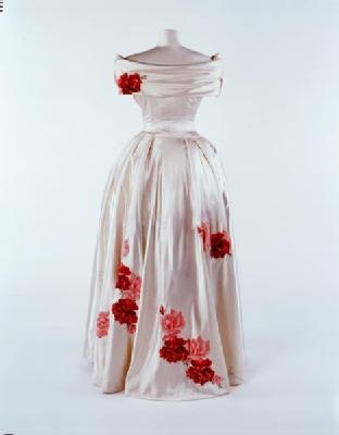 Silk satin couture evening dress, 1948. Designed by Norman Hartnell.