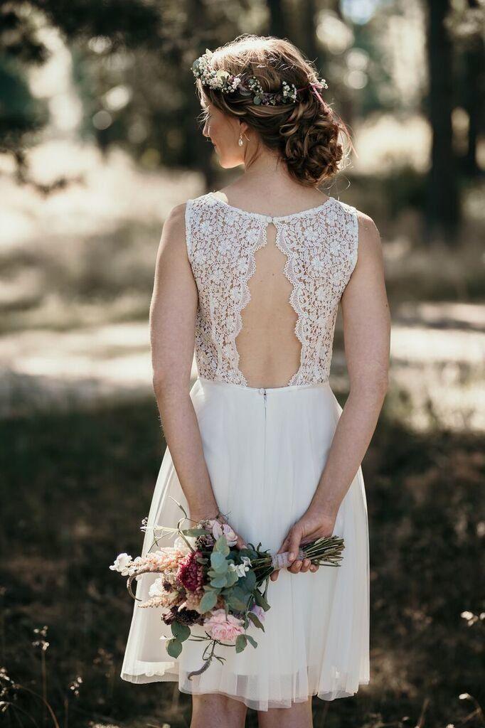 kurzes kleid für das standesamt in weiß spitzen brautkleid