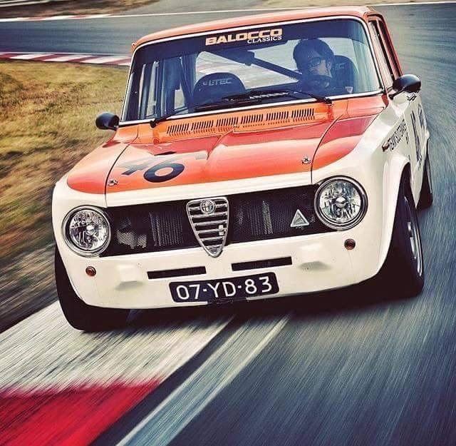 Alfa Romeo Giulia 1600 Ti Super Quadrifoglio Alleggerita Alfaromeoquadrifoglio Alfa Romeo Classic Racing Cars Alfa Romeo Cars