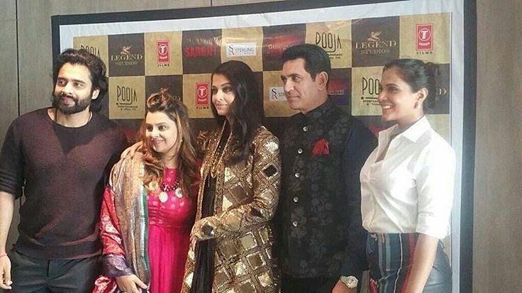 Sarbjit Movie -  Standing tall. #SarbjitAtCannes  #AishwaryaRaiBachchan @richachadha9 @jackkybhagnani @omungkumar  #CannesFilmFestival #ccf2016 #AishwaryaraiBachchan #sarbjit #richachadda #jackkybhagnani #india #indian #desi #sarbjit20may2016  @BOLLYWOODREPORT  . For more follow #BollywoodScope and visit http://bit.ly/1pb34Kz