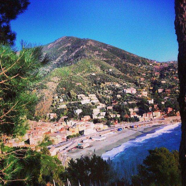Spring has arrived in #Bonassola, why not take advantage?  #CaduFerra #ItalianRiviera #CinqueTerre #Liguria #IlikeItaly www.caduferra.it