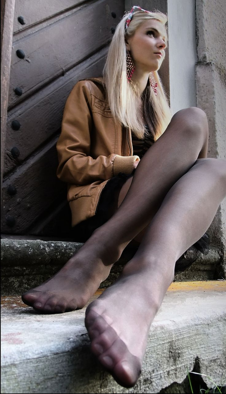Feet And Pantyhose Fetish Pics 98