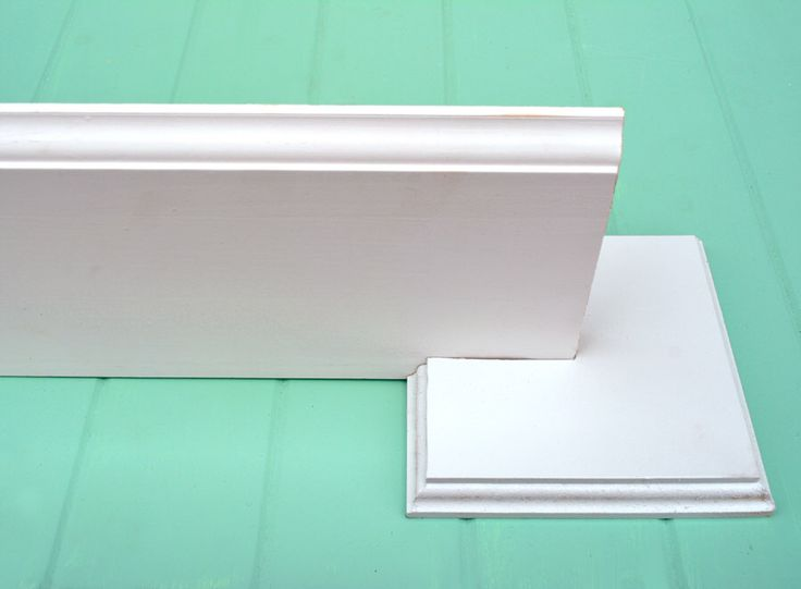 Set of 2 Baseboard Holders - Photography Backdrop Baseboard Holders - White Wood Baseboard Stand by MyBackdropShop on Etsy https://www.etsy.com/listing/124211880/set-of-2-baseboard-holders-photography